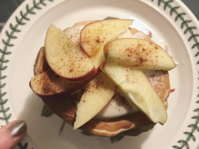 Apple and Cinnamon Pancakes